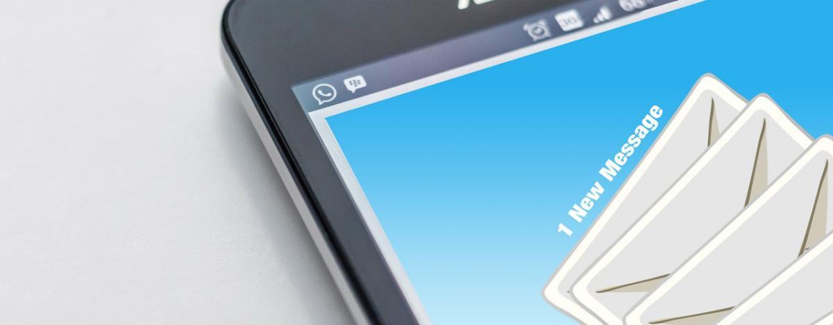 Automatyczne powiadomienia e-mail w biurze tłumaczeń
